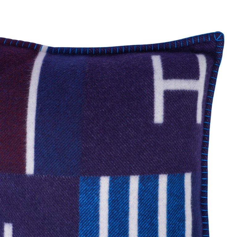 Hermes Cushion Avalon Vibration Blue Marine Small Model Throw Pillow Set of Two For Sale 5