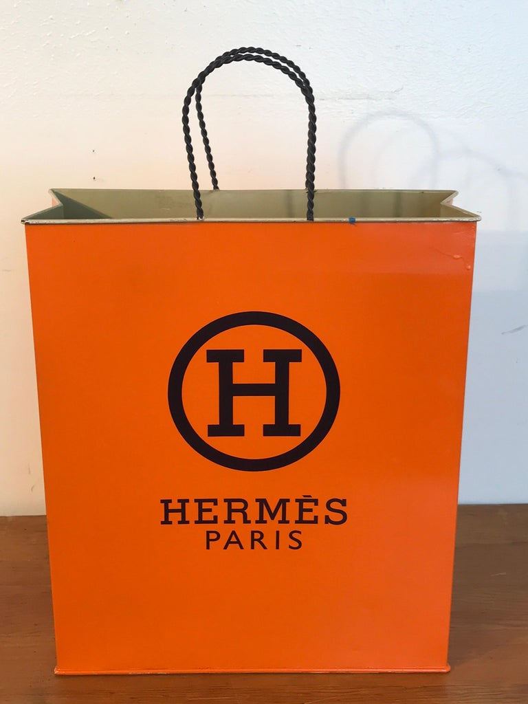 Hermès Display/Prop Tole Shopping Bag In Good Condition For Sale In West Palm Beach, FL