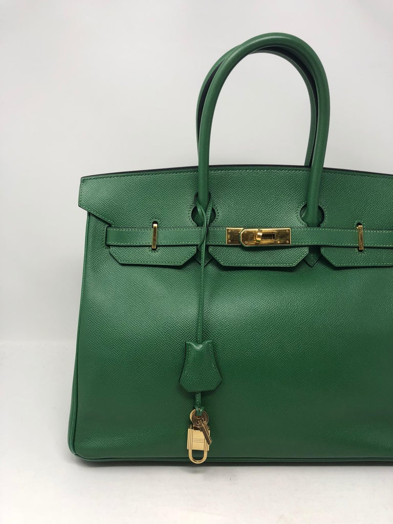Women's or Men's Hermes Emerald Green courchevel leather Gold hardware Birkin 35 Bag For Sale