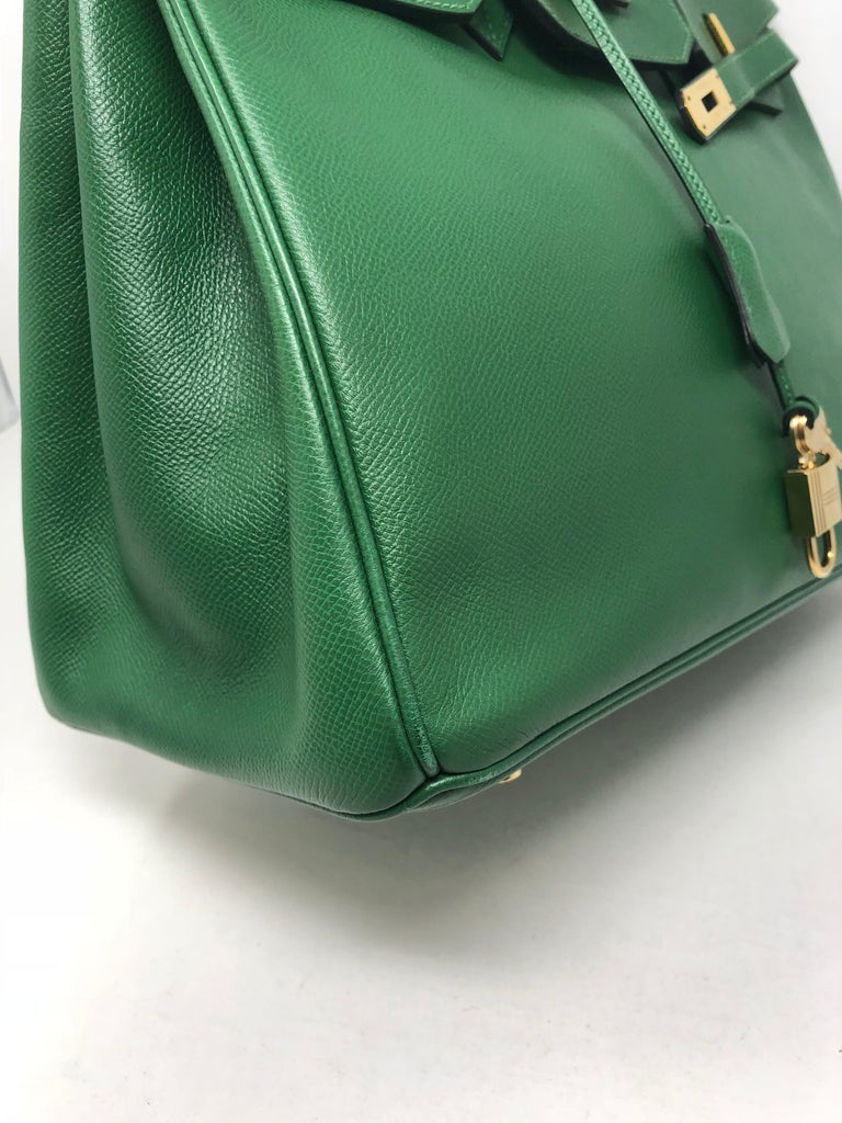 Hermes Emerald Green courchevel leather Gold hardware Birkin 35 Bag For Sale 5