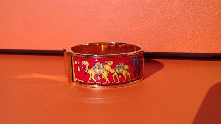 Hermès Enamel Bracelet Clic Clac Version Camels and Palm Trees Ghw PM For Sale 6