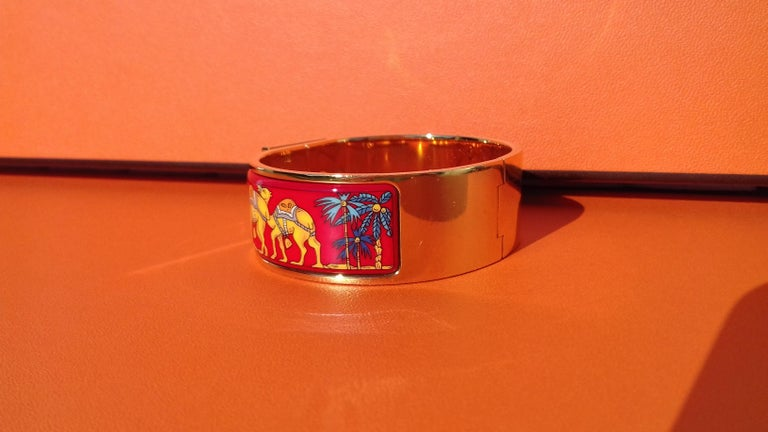 Hermès Enamel Bracelet Clic Clac Version Camels and Palm Trees Ghw PM For Sale 7