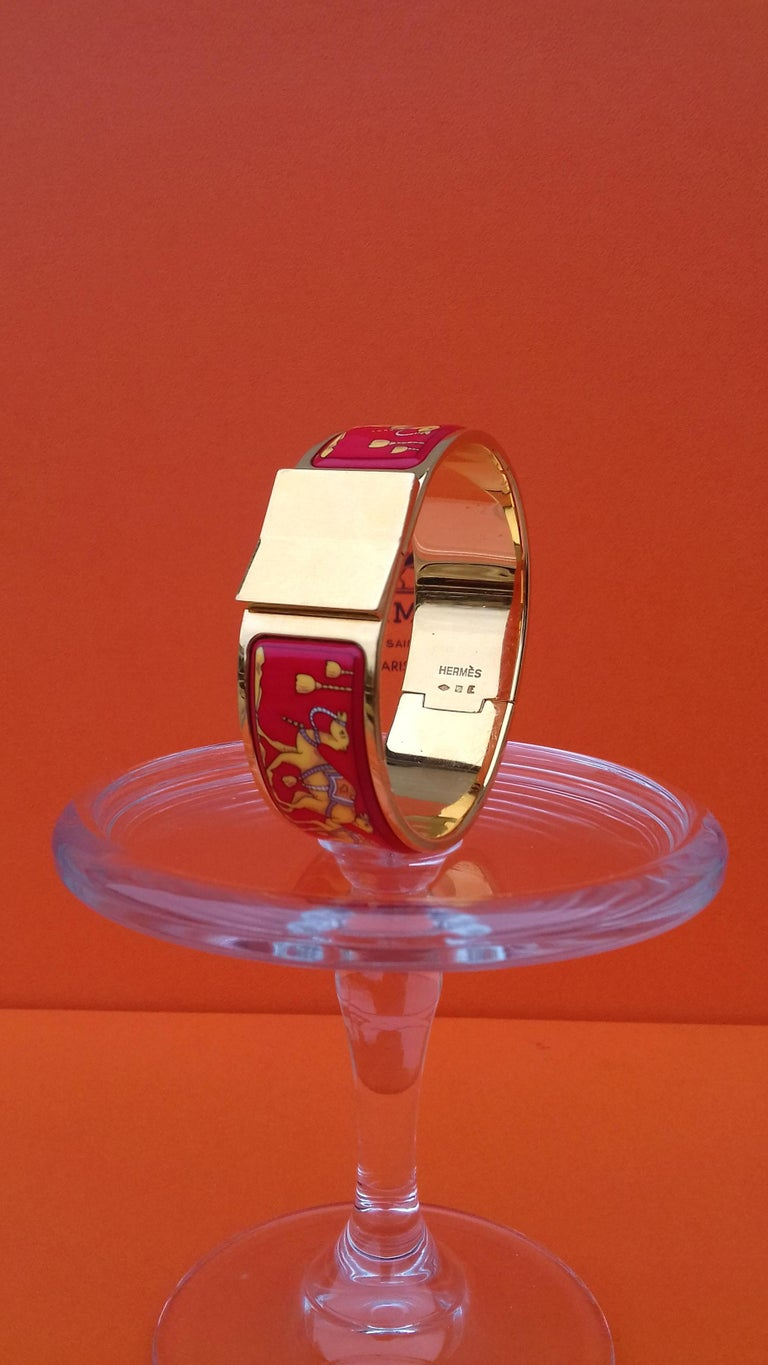 Hermès Enamel Bracelet Clic Clac Version Camels and Palm Trees Ghw PM For Sale 1