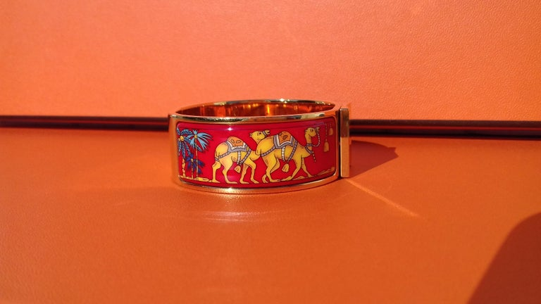 Hermès Enamel Bracelet Clic Clac Version Camels and Palm Trees Ghw PM For Sale 3