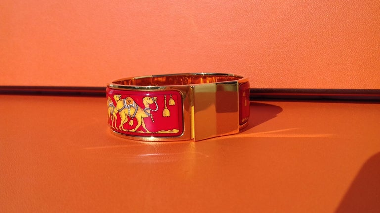Hermès Enamel Bracelet Clic Clac Version Camels and Palm Trees Ghw PM For Sale 4