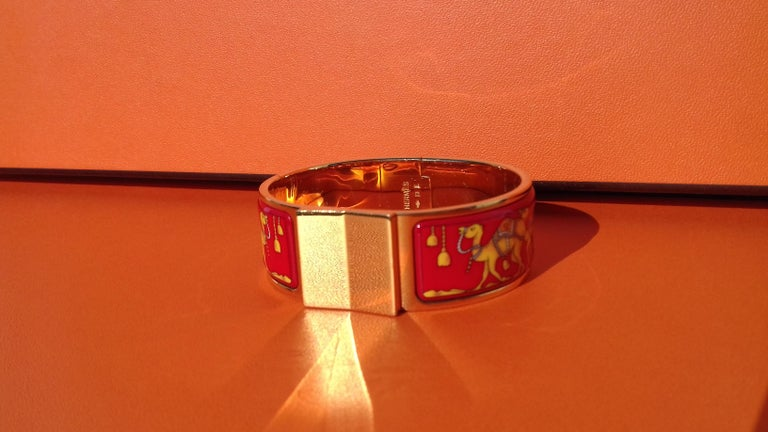 Hermès Enamel Bracelet Clic Clac Version Camels and Palm Trees Ghw PM For Sale 5
