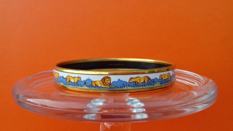 Hermès Enamel Bracelet Lions and Lionesses Narrow Gold Hdw Size PM 65 In Good Condition For Sale In ., FR