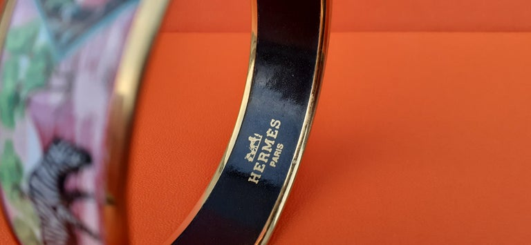 Hermès Enamel Bracelet Zebras Toucans Tropiques Pink Ghw Large Width Size 65 In Good Condition For Sale In ., FR