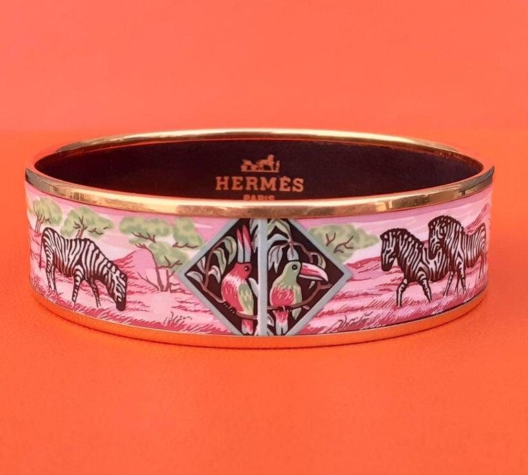 Hermès Enamel Bracelet Zebras Toucans Tropiques Pink Ghw Large Width Size 65 For Sale 1