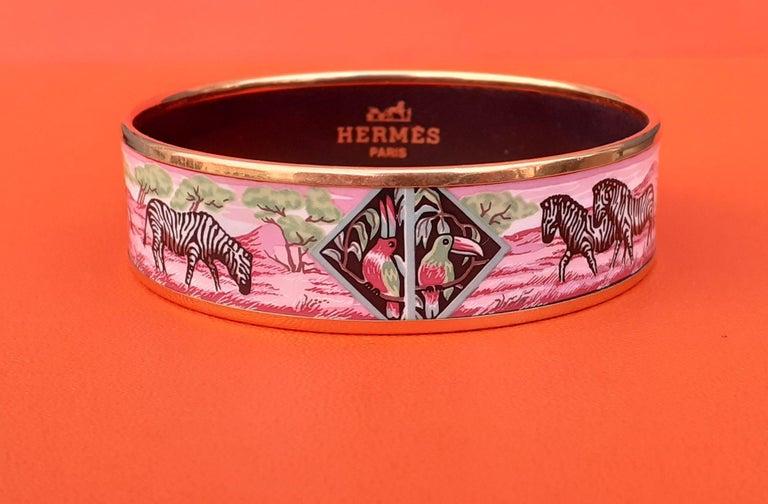 Hermès Enamel Bracelet Zebras Toucans Tropiques Pink Ghw Large Width Size 65 For Sale 3