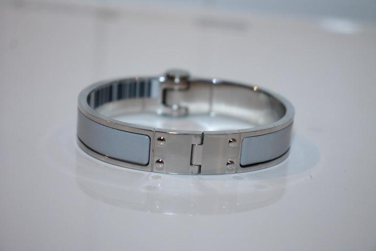 Hermes Enamel Hinged Bracelet In Good Condition For Sale In Roslyn, NY