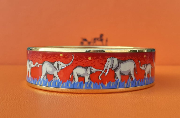 Hermès Enamel Printed Bracelet Elephants Grazing Red Ghw Large Size GM 70 In Good Condition For Sale In ., FR