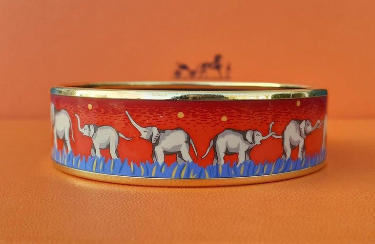 Women's Hermès Enamel Printed Bracelet Elephants Grazing Red Ghw Large Size GM 70 For Sale