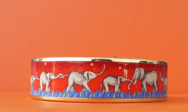 Hermès Enamel Printed Bracelet Elephants Grazing Red Ghw Large Size GM 70 For Sale 1