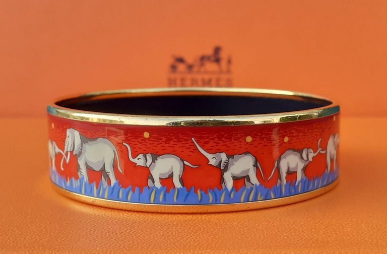 Hermès Enamel Printed Bracelet Elephants Grazing Red Ghw Large Size GM 70 For Sale 2