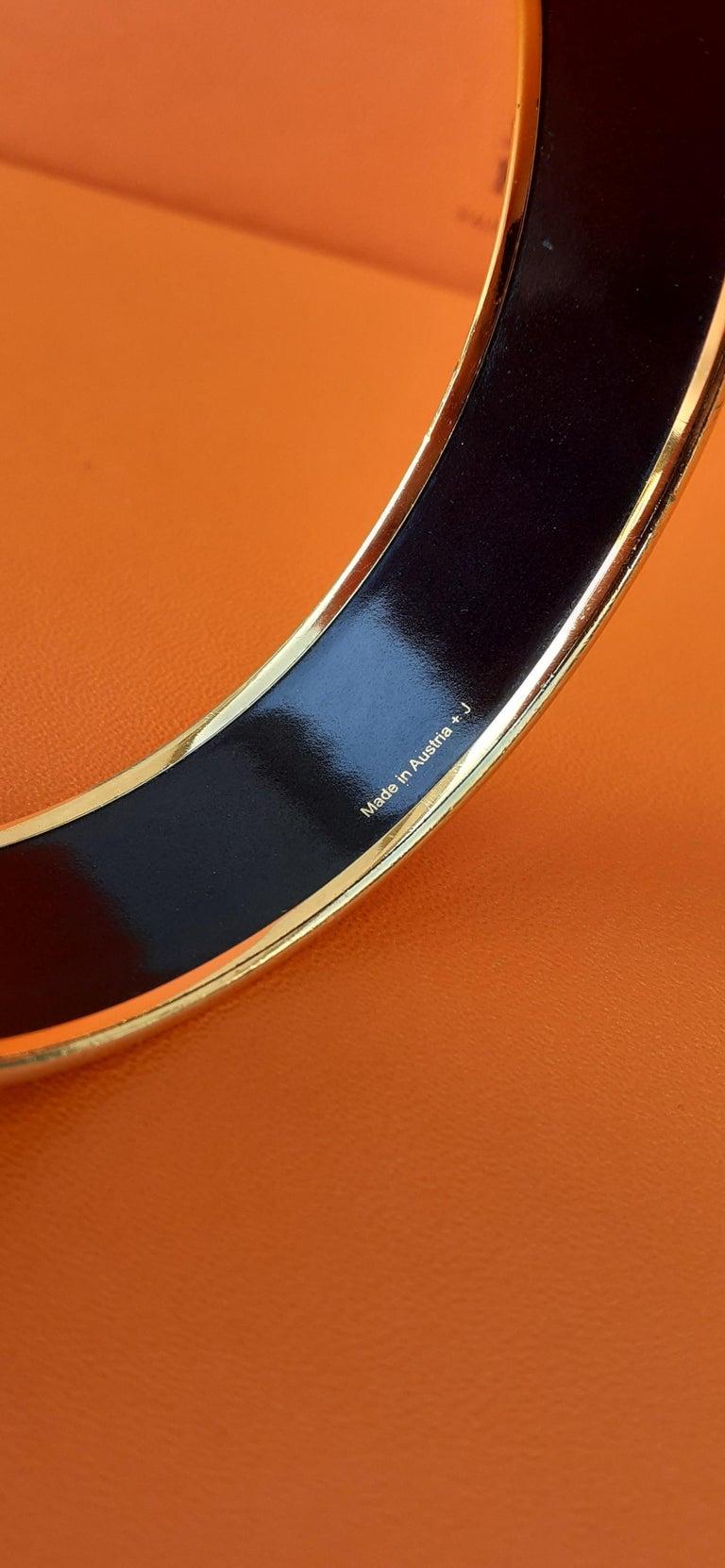 Hermès Enamel Printed Bracelet Elephants Grazing Red Ghw Large Size GM 70 For Sale 5