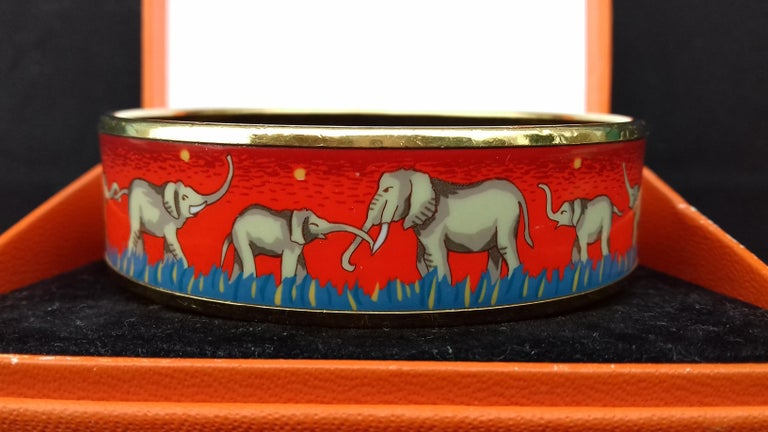 Women's Hermès Enamel Printed Bracelet Elephants Grazing Red Ghw Size GM RARE For Sale