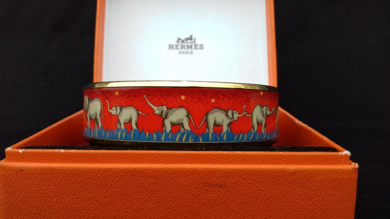 Hermès Enamel Printed Bracelet Elephants Grazing Red Ghw Size GM RARE For Sale 1