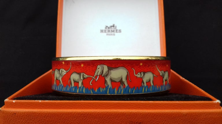 Hermès Enamel Printed Bracelet Elephants Grazing Red Ghw Size GM RARE For Sale 3