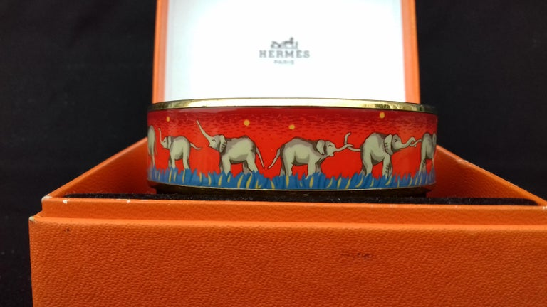 Hermès Enamel Printed Bracelet Elephants Grazing Red Ghw Size GM RARE For Sale 4
