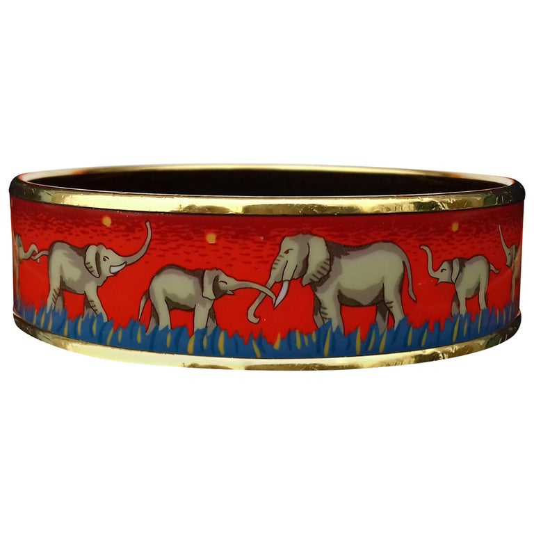 Hermès Enamel Printed Bracelet Elephants Grazing Red Ghw Size GM RARE For Sale