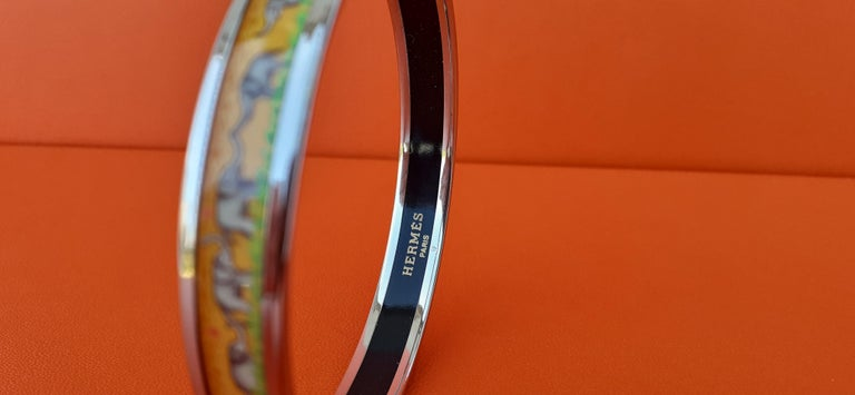 Hermès Enamel Printed Bracelet Elephants Grazing Yellow Phw Narrow Size 65 For Sale 1