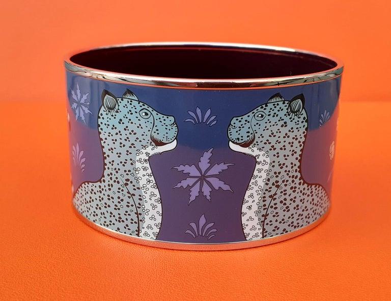 Hermès Enamel Printed Bracelet Leopards Blue Extra Wide Palladium Hdw Size GM 70 For Sale 3