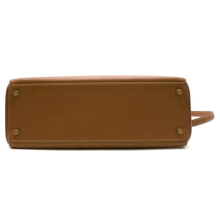 Women's or Men's Hermes Epsom Leather Gold Kelly Retourne 32 GHW - D 2000 For Sale
