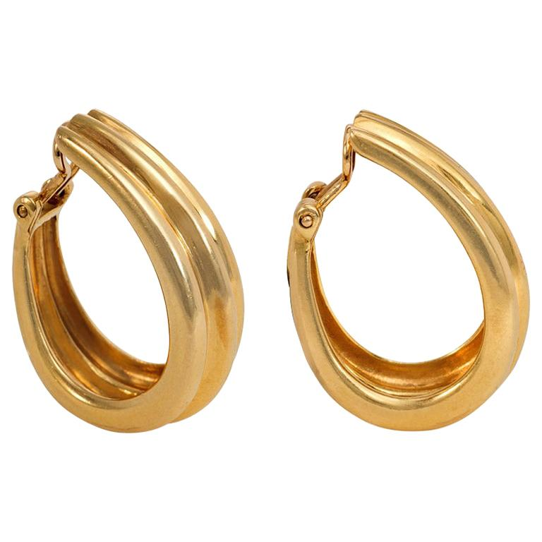 Hermès Estate 1960s Gold Tapered and Ribbed Hoop Earrings