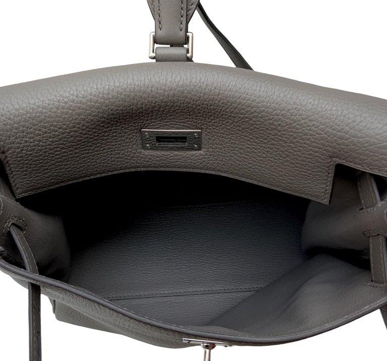 Hermès Etoupe Clémence Leather Kelly Ado II Backpack For Sale 6