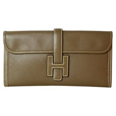 Hermes Etoupe Epsom Leather Jige Elan 29 H Clutch Bag rt. $3,525