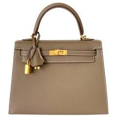 Hermes Etoupe Kelly 25  Epsom Sellier Bag Gold Hardware