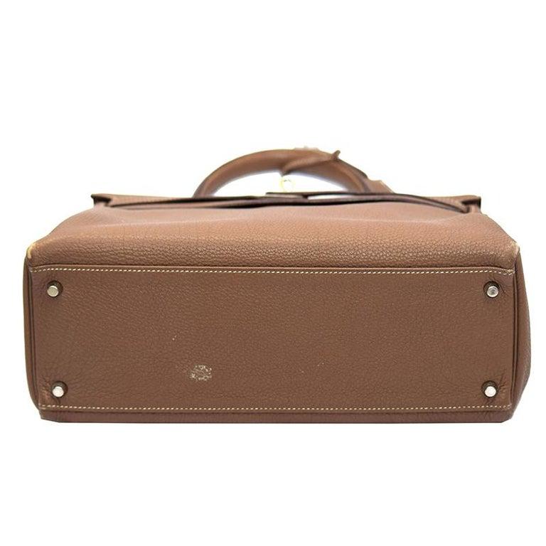 Hermes Etoupe Togo Leather Palladium Hardware Kelly Retourne 35 Bag In Excellent Condition For Sale In Dubai, Al Qouz 2