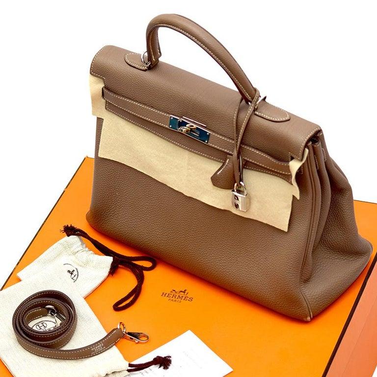 Hermes Etoupe Togo Leather Palladium Hardware Kelly Retourne 35 Bag For Sale 3