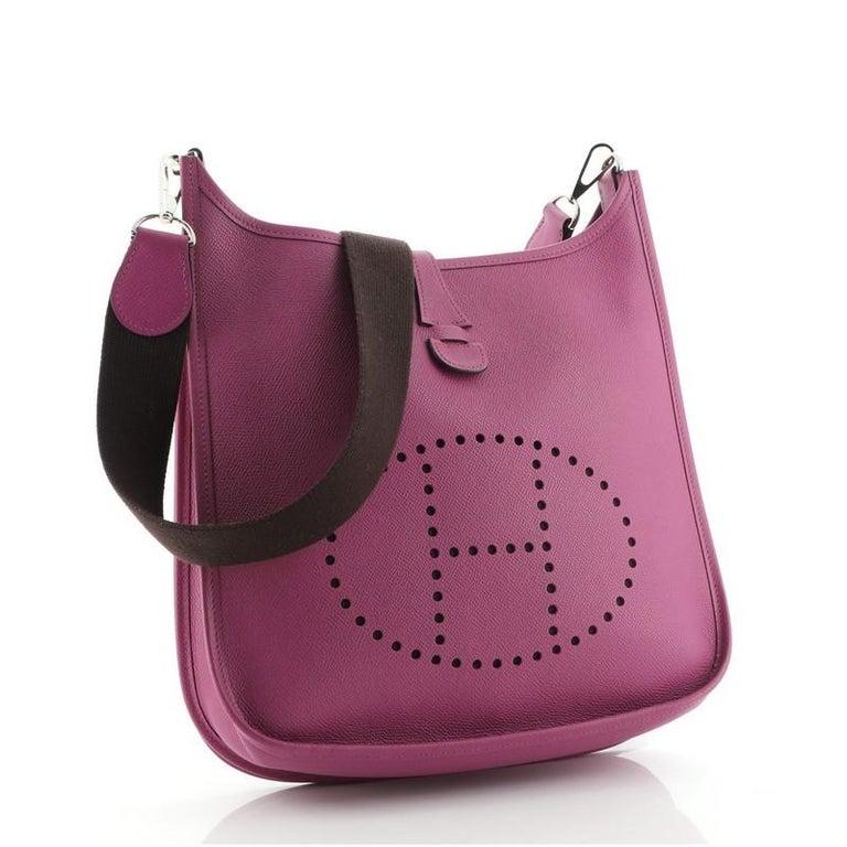 Hermes Evelyne Bag Gen II Epsom PM In Good Condition For Sale In New York, NY
