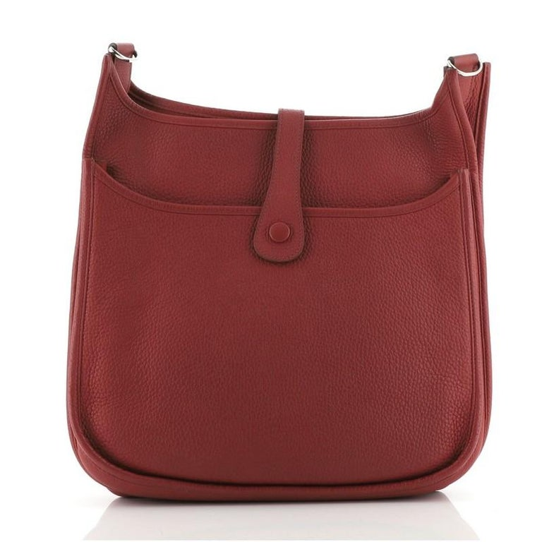 Hermes Evelyne Bag Gen III Clemence GM In Good Condition For Sale In New York, NY