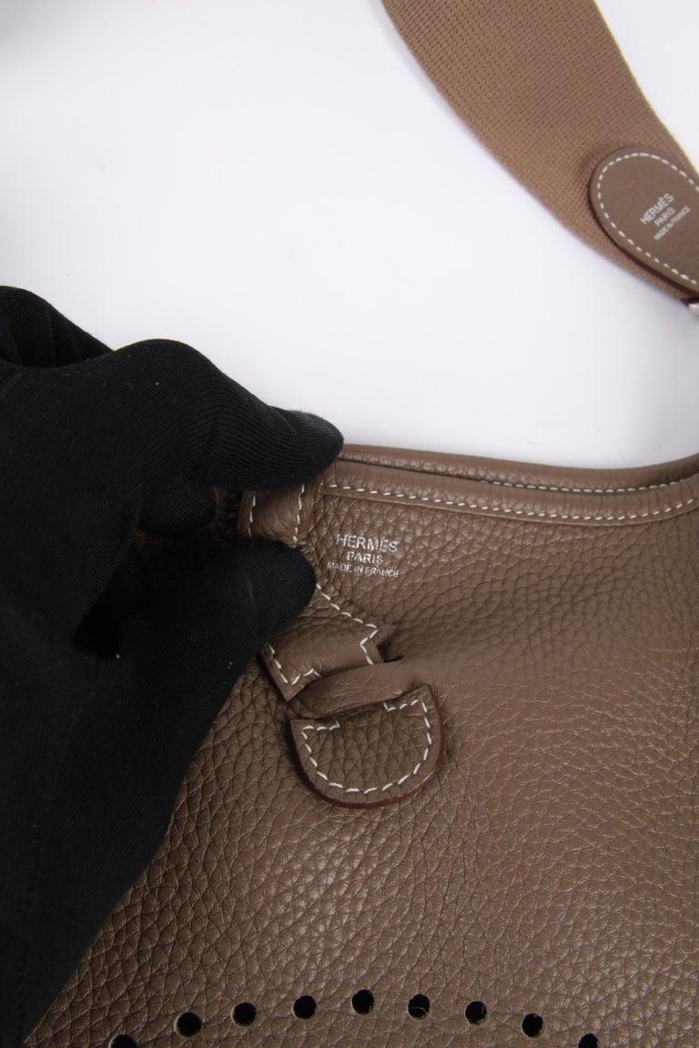 Hermes Evelyne Bag PM - taupe   Hermes Evelyne Bag PM - taupe   Hermes Evelyne For Sale 2