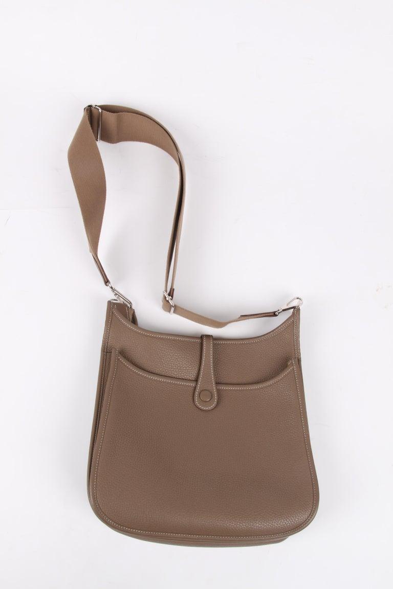 Hermes Evelyne Bag PM - taupe   Hermes Evelyne Bag PM - taupe   Hermes Evelyne For Sale 3