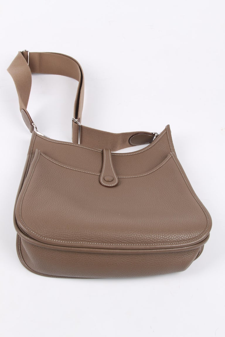 Hermes Evelyne Bag PM - taupe   Hermes Evelyne Bag PM - taupe   Hermes Evelyne For Sale 4