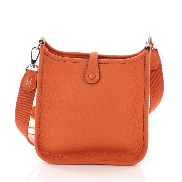 Hermes Evelyne Crossbody Gen III Clemence TPM In Good Condition For Sale In New York, NY