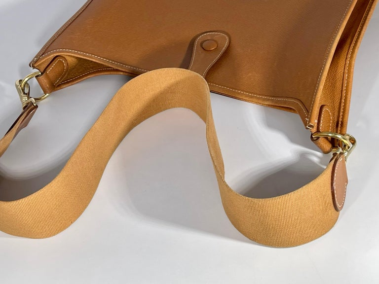 Hermès Evelyne Pm Brown Leather Cross Body Bag In Excellent Condition For Sale In Scarsdale, NY