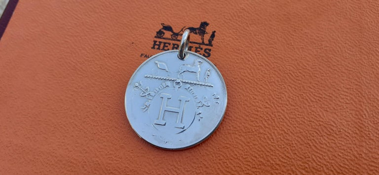 Hermès Ex Libris Pattern Pendant For Necklace Sterling Silver GM  In Good Condition For Sale In ., FR