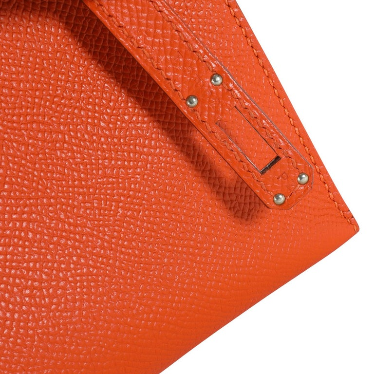 Women's Hermès Feu Epsom Kelly Pochette PHW For Sale