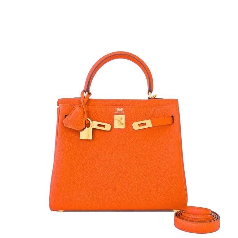 Hermes Feu Orange 25cm Togo Mini Kelly Bag Gold Y Stamp In New Condition For Sale In New York, NY