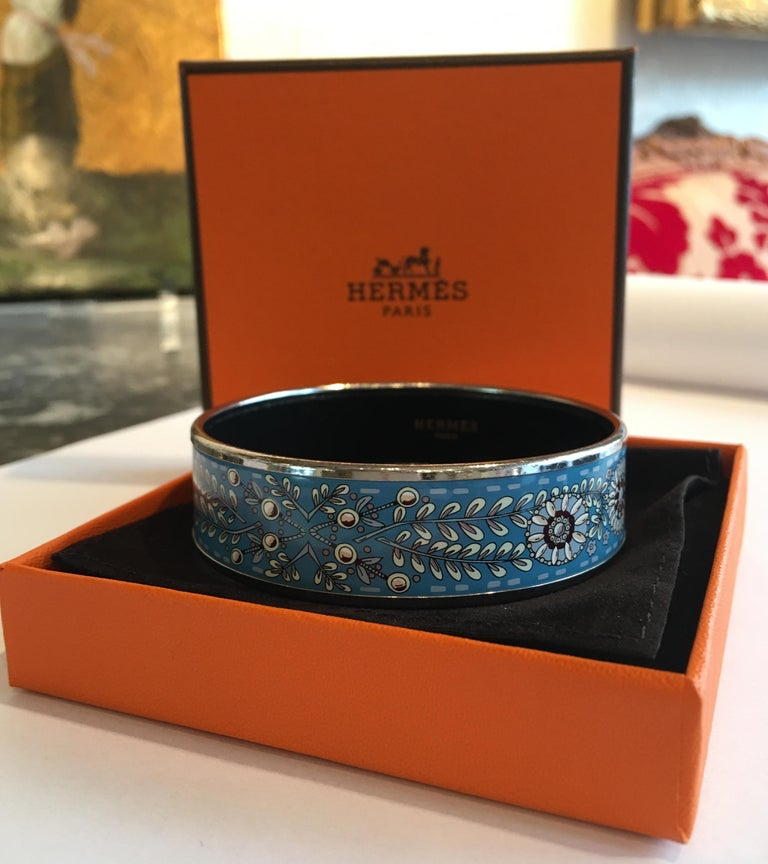 Hermes Floral Blue Enamel Bangle Bracelet with Dustbag and Box In Excellent Condition For Sale In Paris, FR