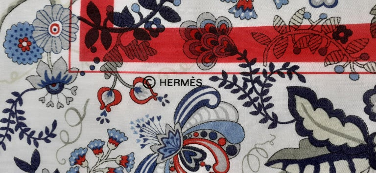 Hermès For Liberty Cotton Scarf Ex Libris and Flowers 26' Limited Edition For Sale 6