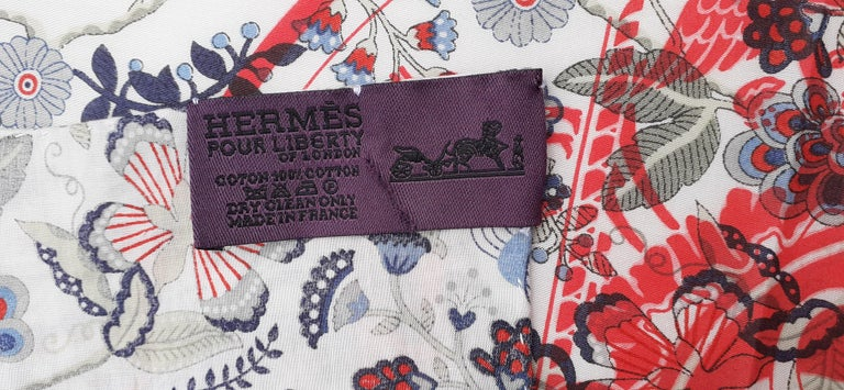 Hermès For Liberty Cotton Scarf Ex Libris and Flowers 26' Limited Edition For Sale 7