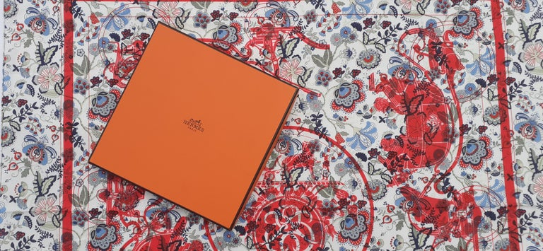 Hermès For Liberty Cotton Scarf Ex Libris and Flowers 26' Limited Edition For Sale 8
