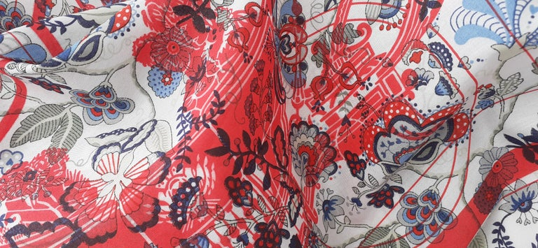 Hermès For Liberty Cotton Scarf Ex Libris and Flowers 26' Limited Edition For Sale 10