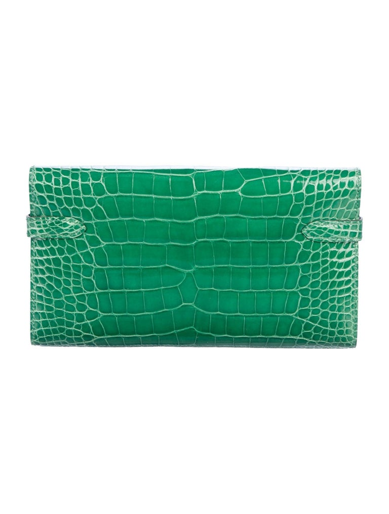 Hermes Green Alligator Palladium Evening Kelly Clutch Wallet Bag In Excellent Condition For Sale In Chicago, IL